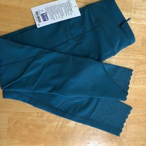 Lululemon brand new with tags Tight Stuff II